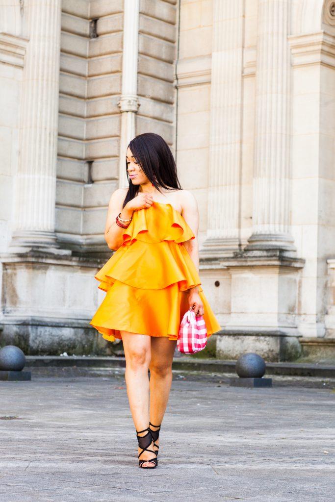 robe orange à volants superposés