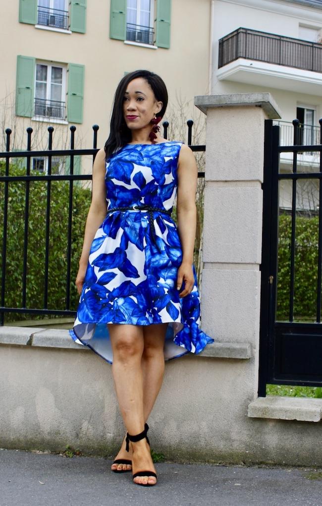 Robe à fleurs bleu et blanc