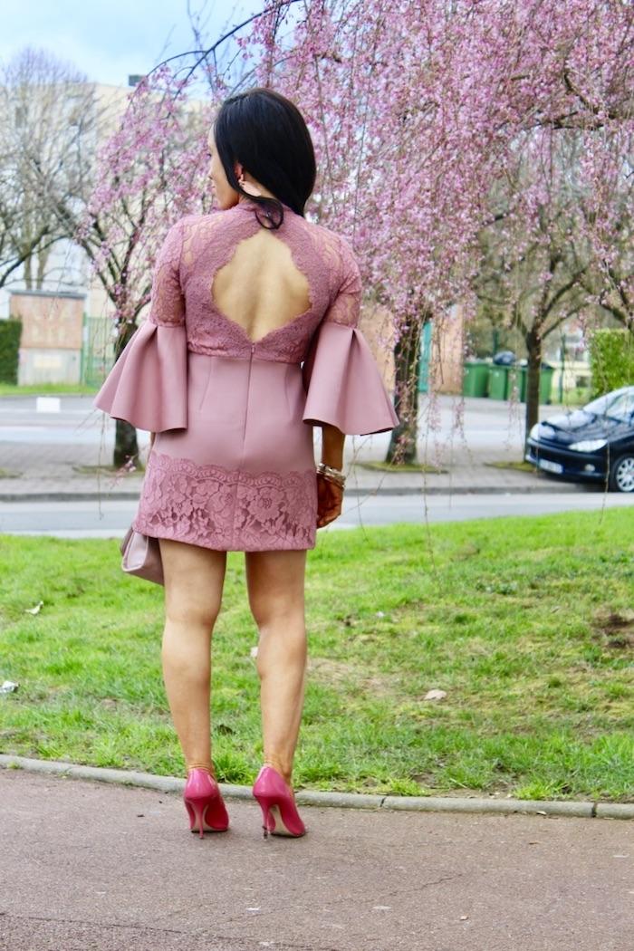 robe rose dentelle