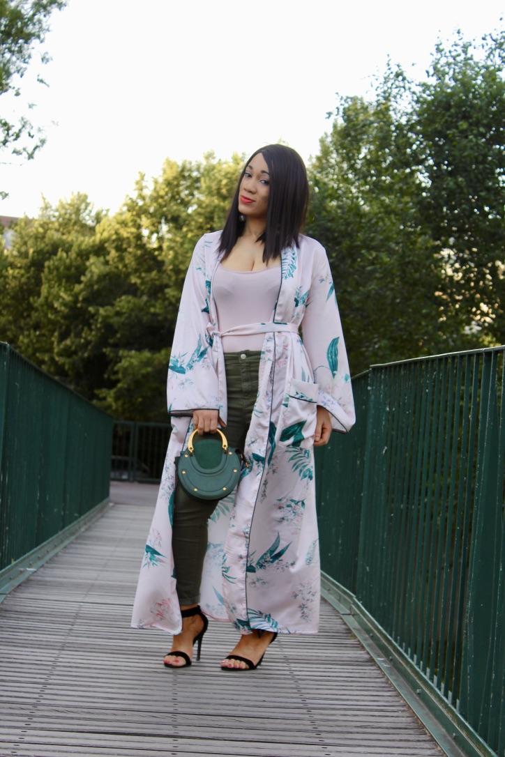 look kimono vert satiné