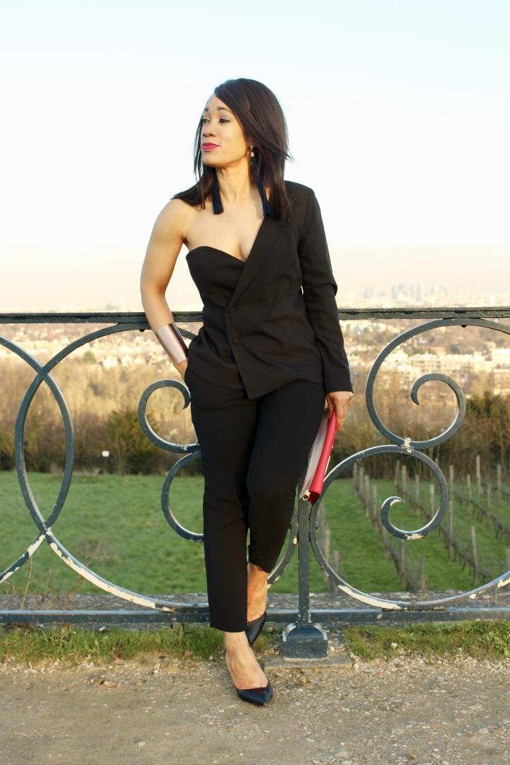 blazer asymétrique pantalon noir