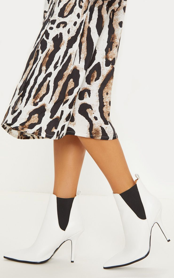 bottines blanches pointues prettylittlething