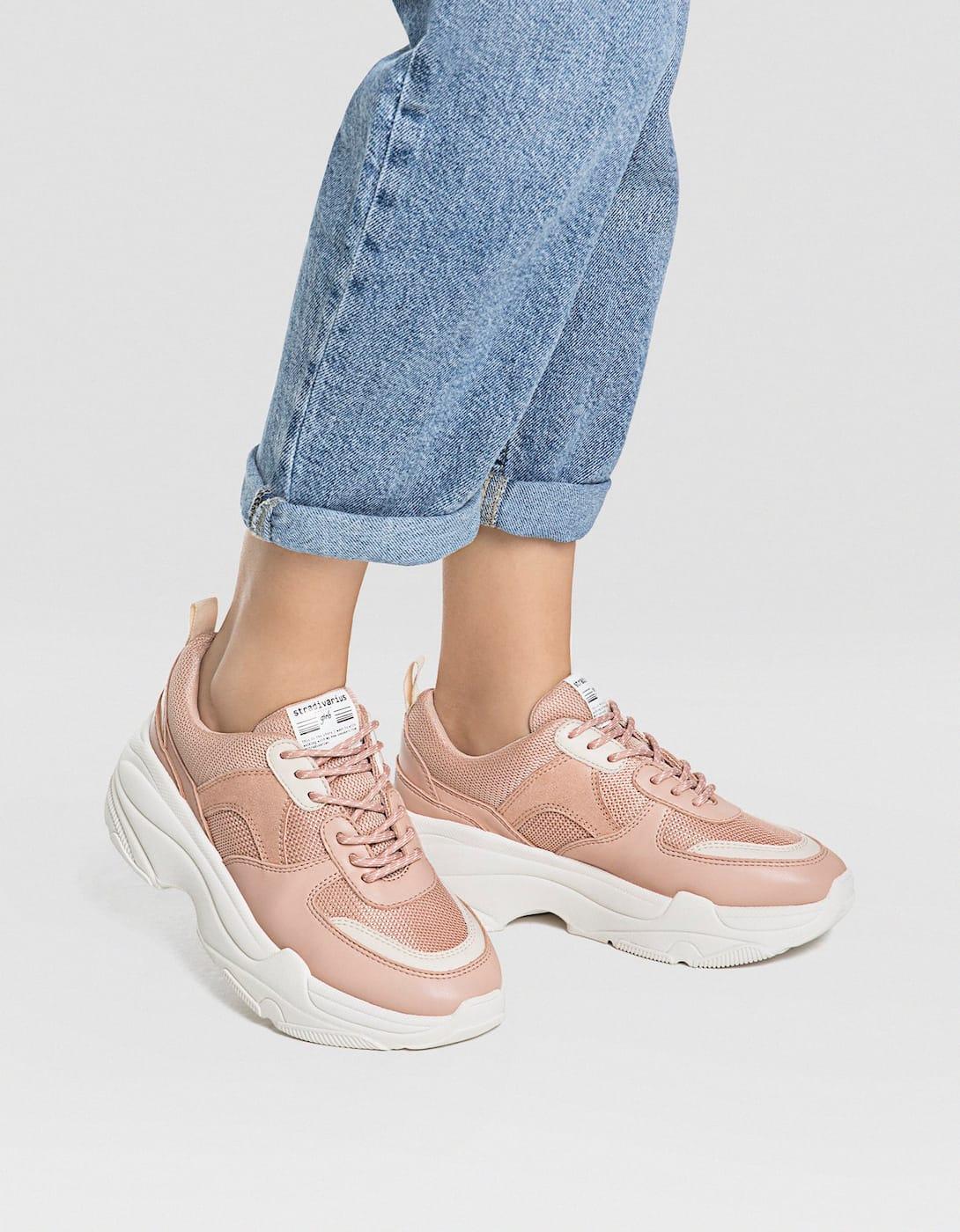 chunky sneakers nude