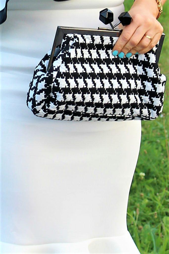 sac à main noir et blanc