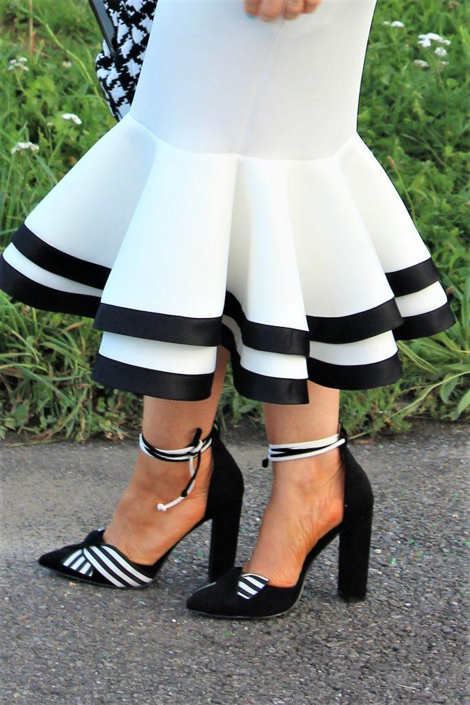 escarpins noirs et blancs