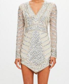 robe bijou argentee coupe triangle