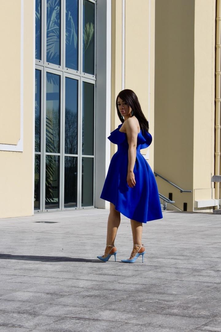 Robe bleu et escarpins