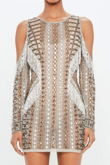 robe nude ornement