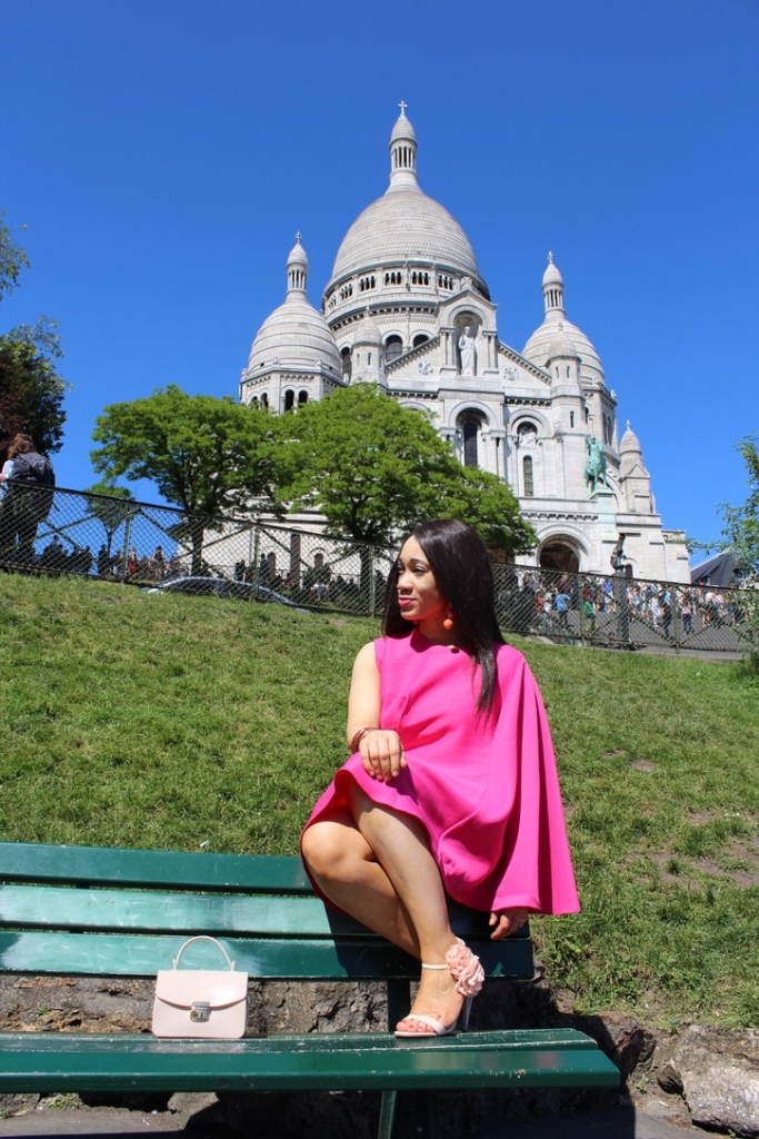 look robe rose Montmartre