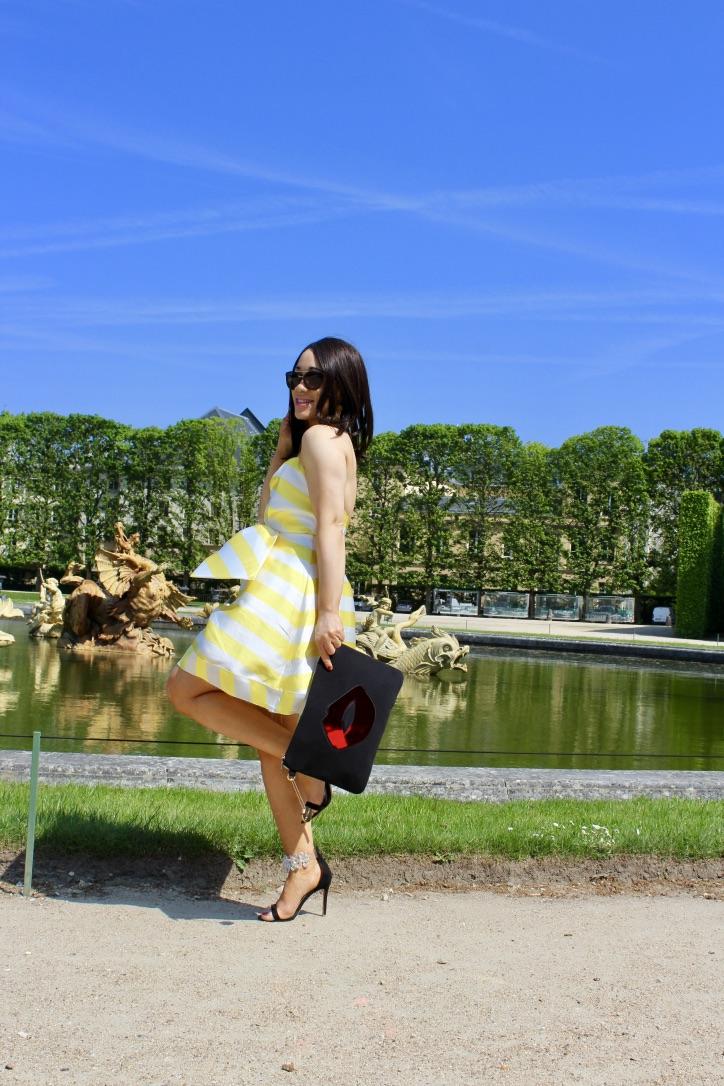 shoting photo robe à rayures jaunes et blanches