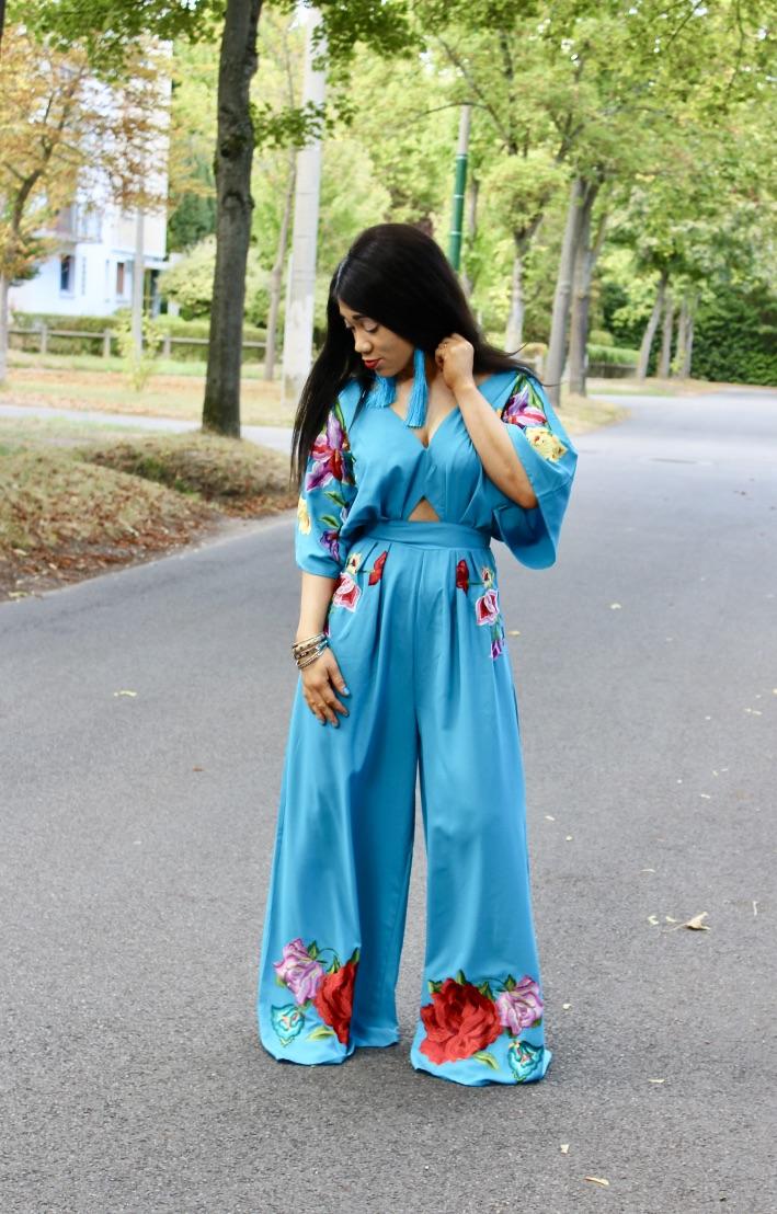 combinaison large turquoise fleurs