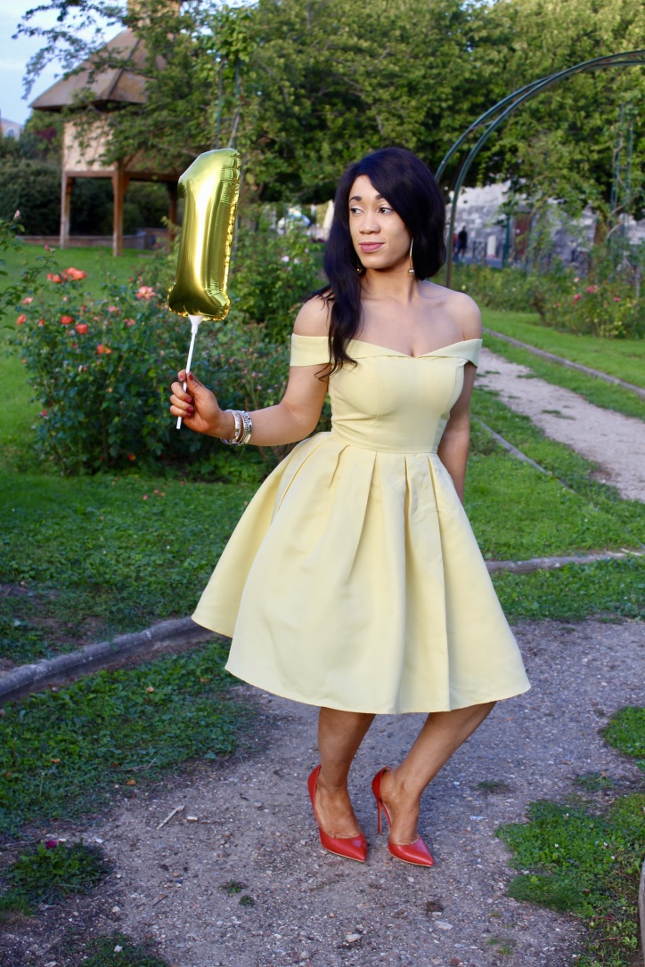 look robe jaune chichiclothing