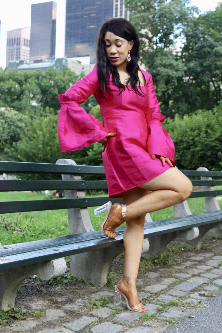 glamour en robe fuchsia