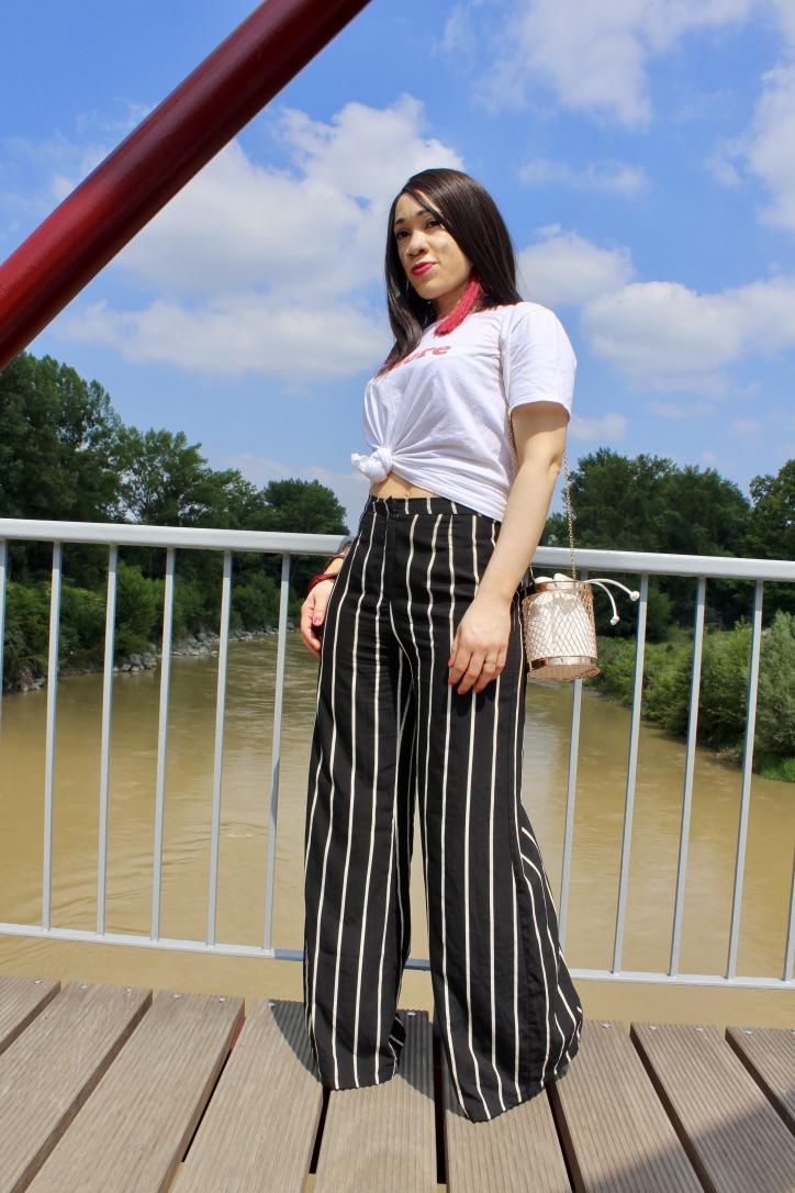inspo look pantalon large à rayures
