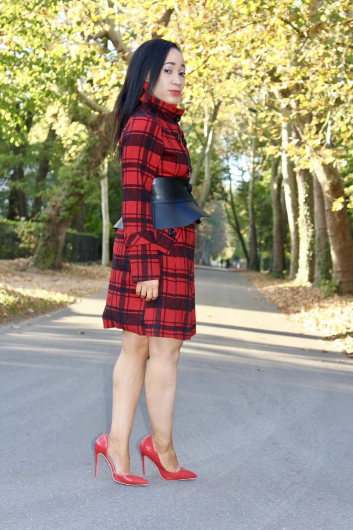 look automne manteau motif à carreaux