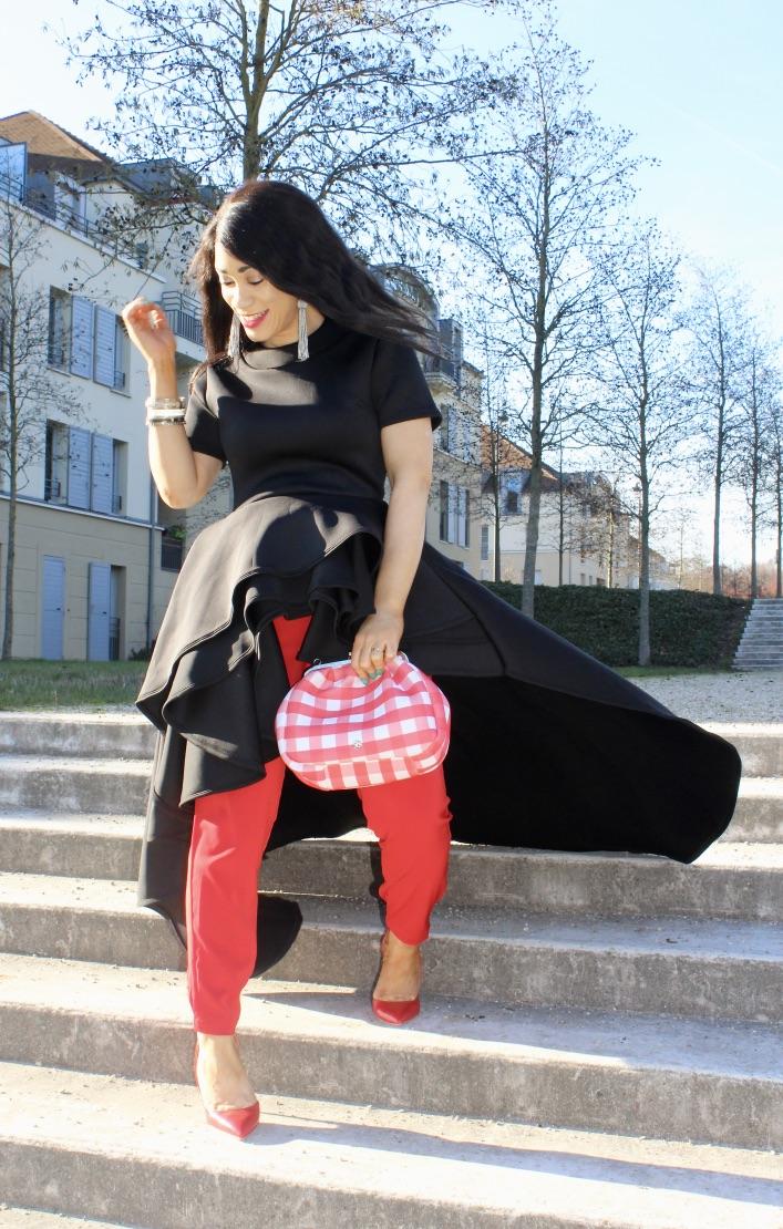 look top asymétrique noir fashionnova